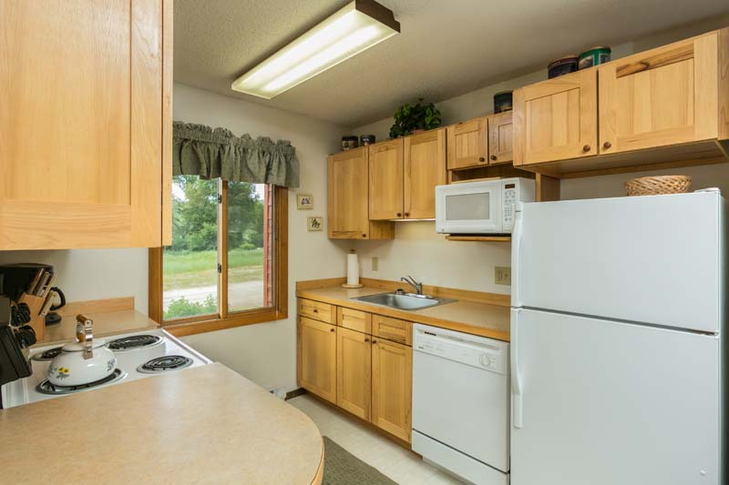 Hide Away cabin full kitchen.